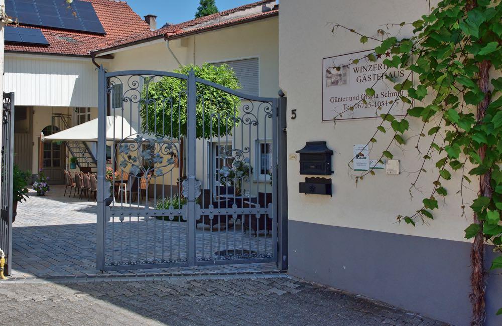 Gästehaus und Winzerhof der Familie Schmitt in Appenheim